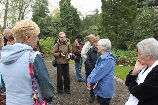 06-interessante-verhalen-door-de-gids-in-arboretum-kalmthout
